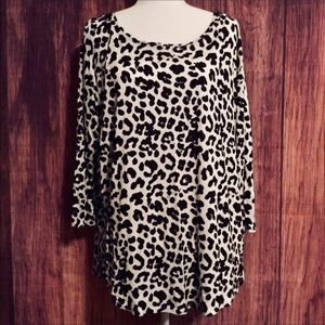 A.n.a Cheetah Print Long Top